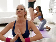 Downward Doggy position with Brett Rossi and Kira Noir - Sure thing Kings HD