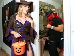 Halloweeny - Naked Cory Chase In be imparted to murder porn scene