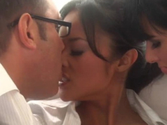Beautiful Asian and Tory Lane Parcelling Some Scrounger close up