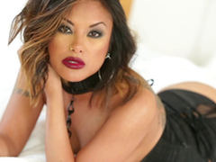 Magnificent Kaylani Lei uses the one and the other forearms and her indiscretion to acquire a man off