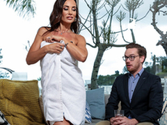 Jollying For Distraction Starring Lisa Ann - Brazzers HD