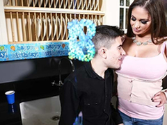Horny with an increment of busty mom Cathy Heaven fuck Jordi El Niño